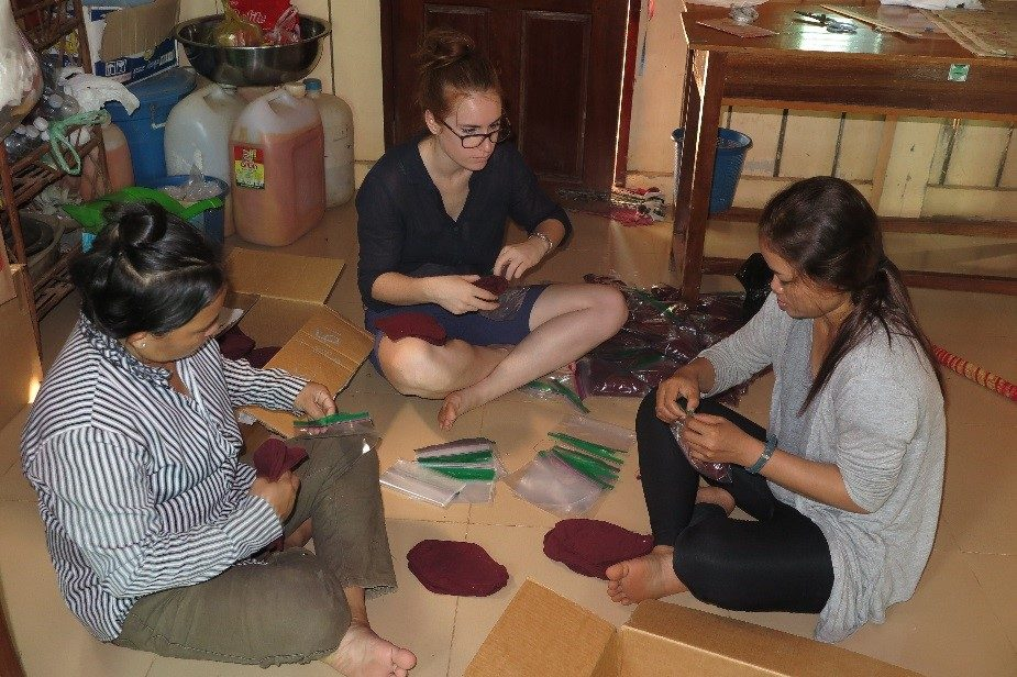 Making and Packaging Re-usable Sanitary Napkins with Local Staff